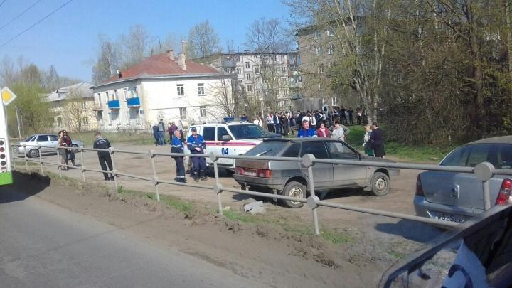 В Ярославской области срочно эвакуировали учеников двух школ