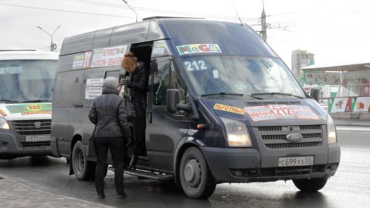 «Если муниципалы по 30 поедут, частники по 32»: омские перевозчики — о повышении цен на проезд