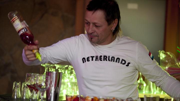 «Он отказался говорить»: известный волгоградский бармен попался с дозой амфетамина