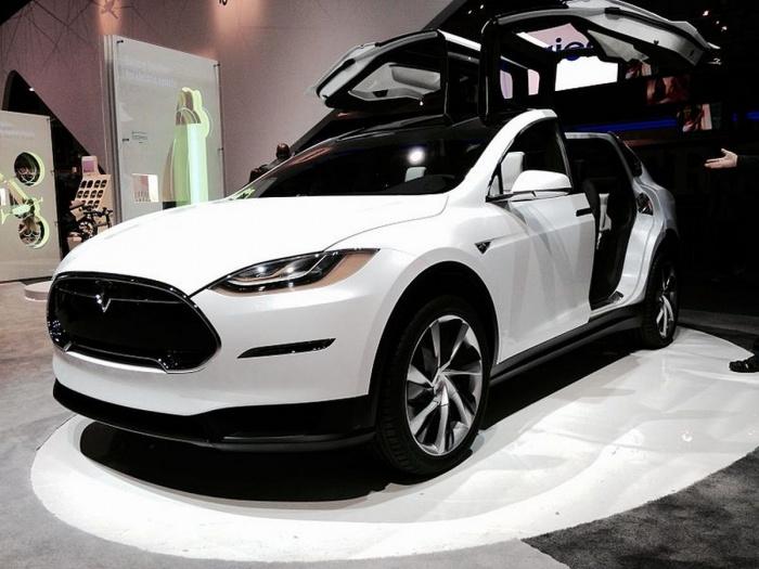 Екатеринбурженка не только вернула потраченные на Tesla 13 миллионов, но и взыскала с дилера штраф— 6,5 миллиона рублей