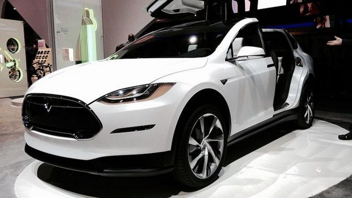 Как тебе такое, Илон Маск? Жена владельца «Гринвича» через суд вернула дилеру сломанную Tesla