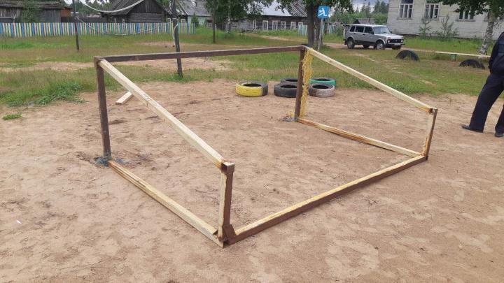 Мальчик в Виноградовском районе скончался из-за упавших футбольных ворот