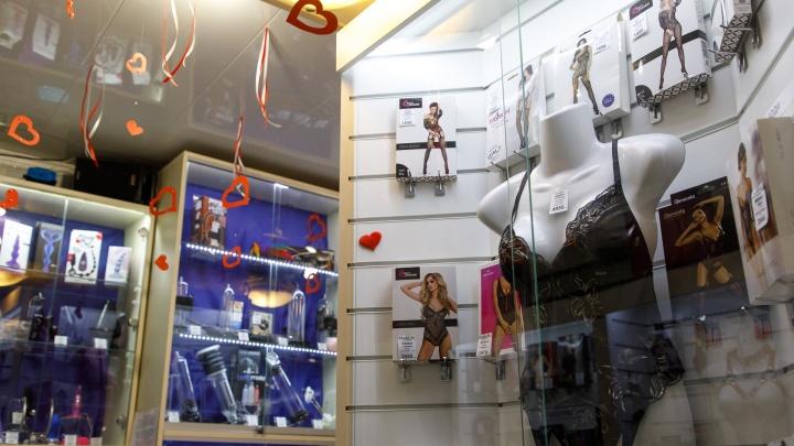 «Хотим развлечений и любви»: в Волгограде закрылось меньше всего секс-шопов в России