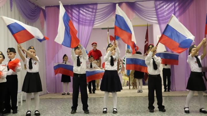 Присяга в садике: журналист 29.RU о том, почему подготовка детей к военным реалиям — это страшно