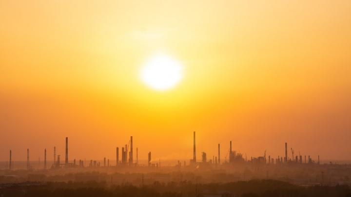 Ночью в Нефтяники выезжала эколаборатория из-за жалоб омичей на запах газа