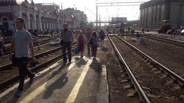 """""""Он написал """"вокзал"""", потому проверяли все три"""": шантажист просил денег за данные о бомбе в Екатеринбурге"""