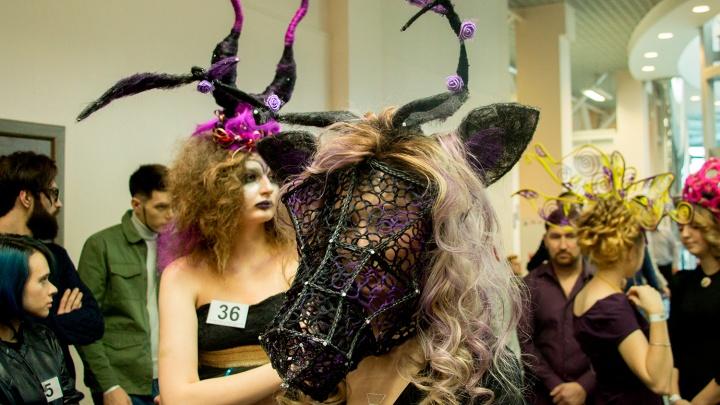 Рога и улья из волос: разглядываем работы участников чемпионата парикмахеров и визажистов