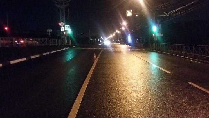 «Ниссан» сбил пешехода на Первомайской: мужчину увезли в больницу с переломом черепа