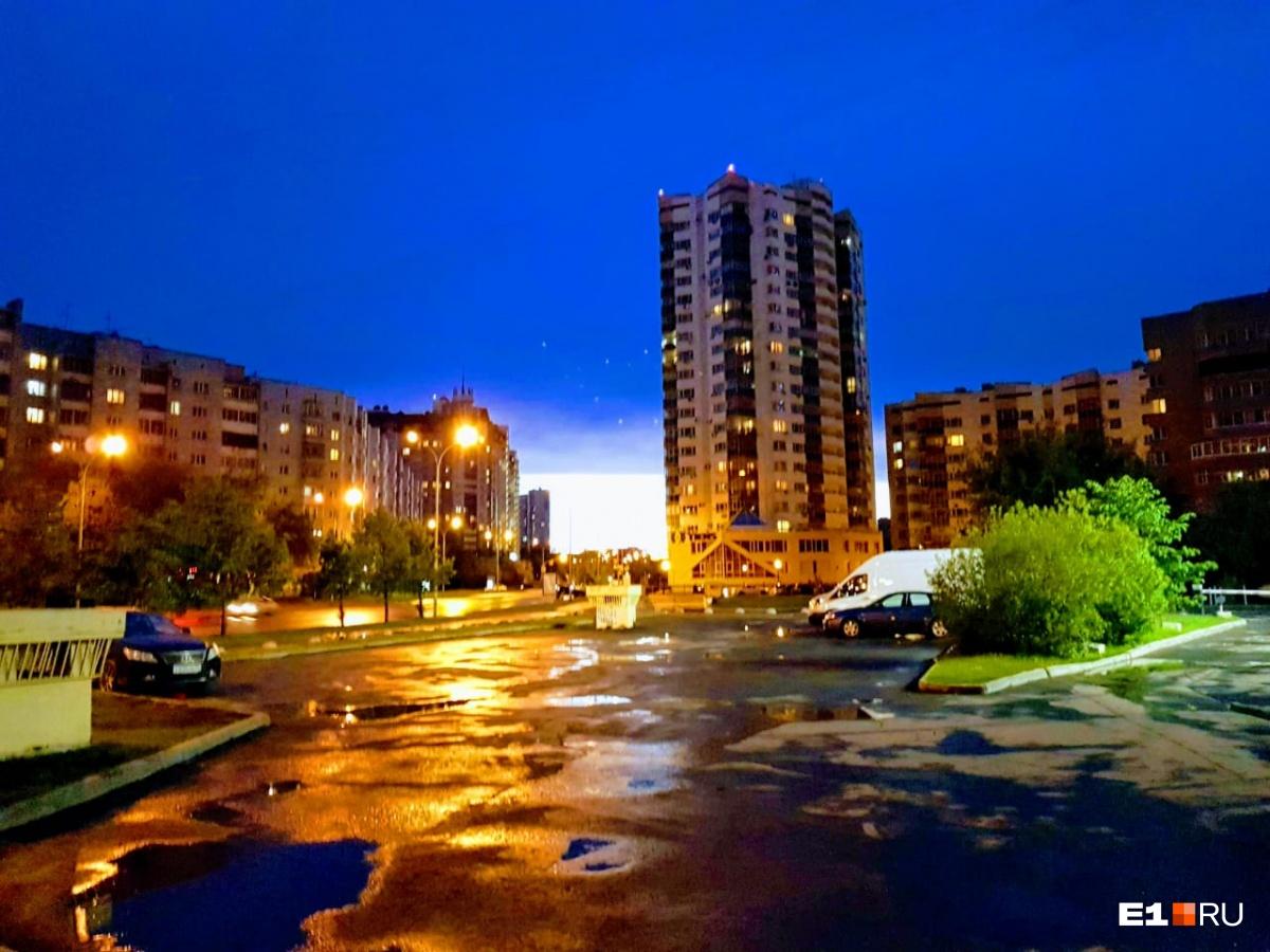 Вид с улицы Маршала Жукова
