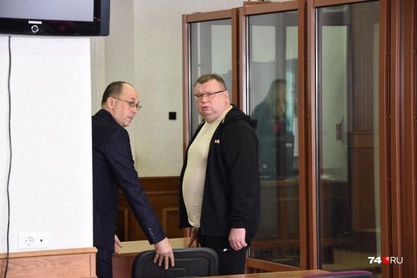 Сергей Мануйлов выйдет из здания суда уже в наручниках