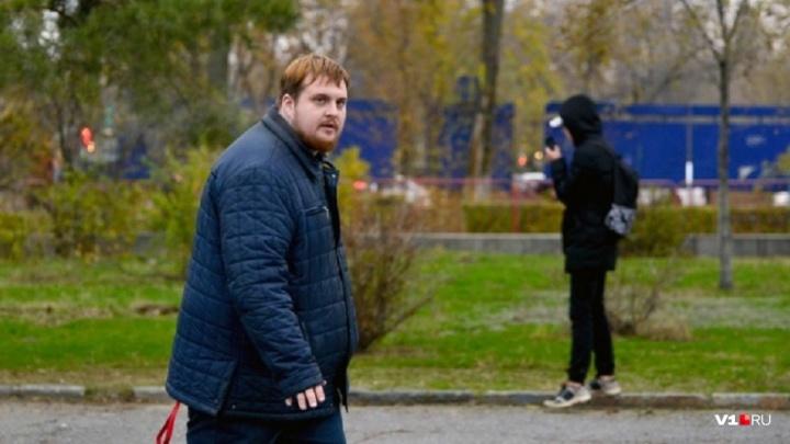 «Я недоволен решением»: Верховный суд РФ отменил экс-главе штаба Навального штраф за «Родину-мать»