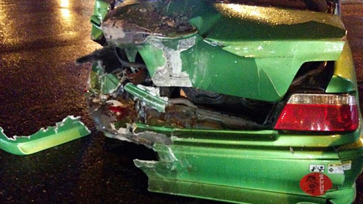 Пьяный водитель фуры в Омске снёс две машины