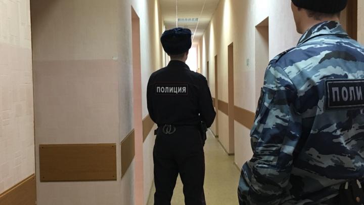 Родителям пермяка, погибшего в воинской части на Дальнем Востоке, присудили три миллиона рублей