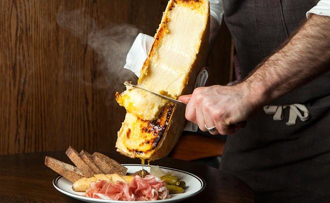 Кто такой сырный сомелье, где делают хороший сыр, и когда мы догоним Европу