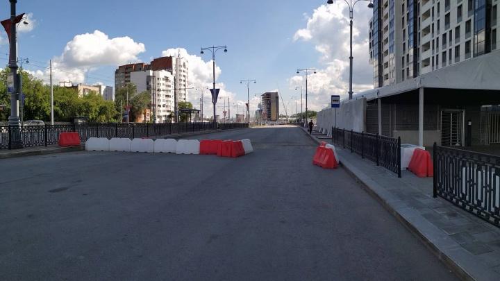 Ждем до Дня города? Чиновники объяснили, почему не могут открыть улицу Татищева прямо сейчас