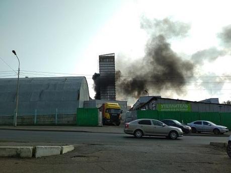 Что горело в центре города: жителей Уфы встревожили клубы черного дыма