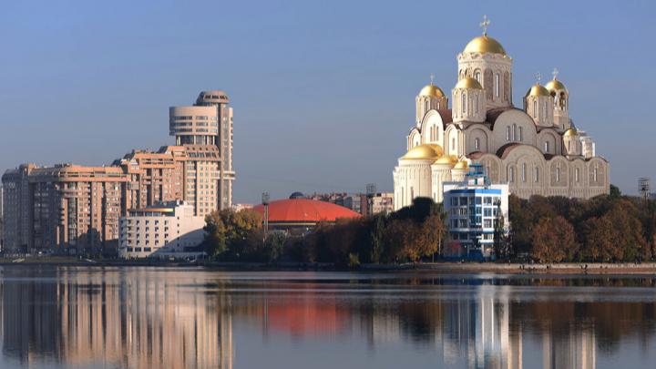 У цирка, за «Динамо» или опять на воде: примеряем, куда можно поставить храм Святой Екатерины