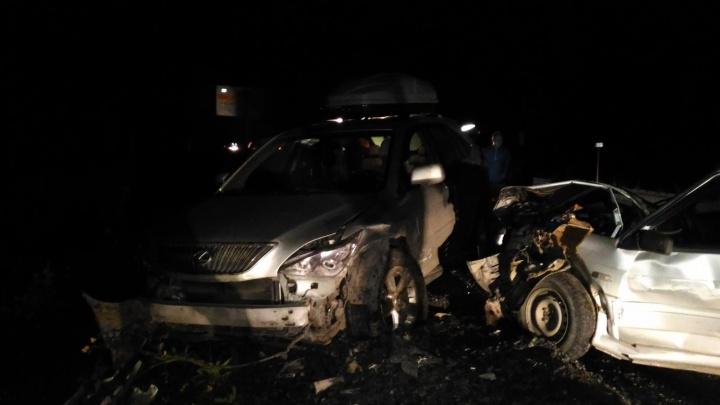 Перестроилась прямо в грузовик: автомобилистка устроила тройное ДТП на южноуральской трассе