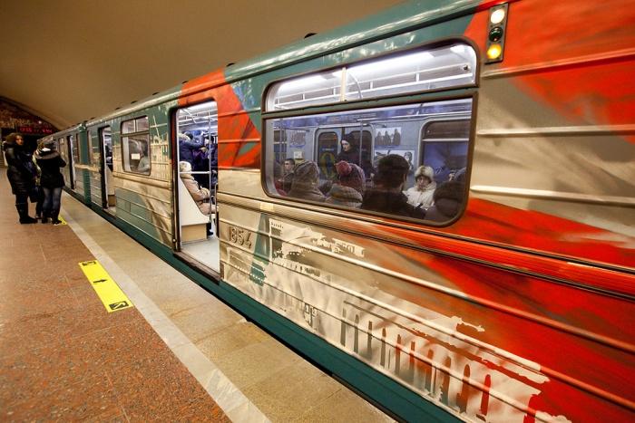 9 мая поезда метро будут украшены флагами и наклейками