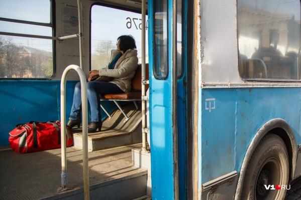 Проезд в троллейбусе приравняют к скоростному трамваю