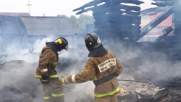 В Башкирии сгорел дом: погибли отец и сын