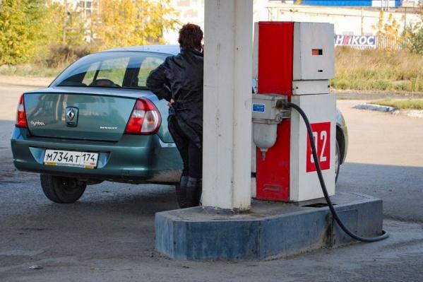 Повышение топливных акцизов с января ощутят и частники, и небольшие АЗС