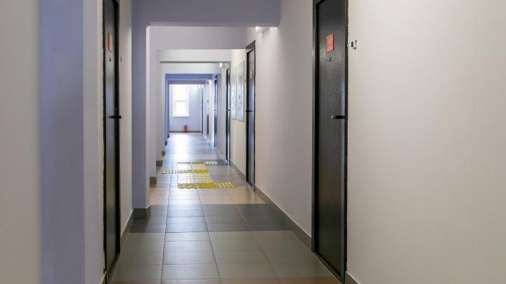 Первокурсника СФУ нашли повешенным в общежитии