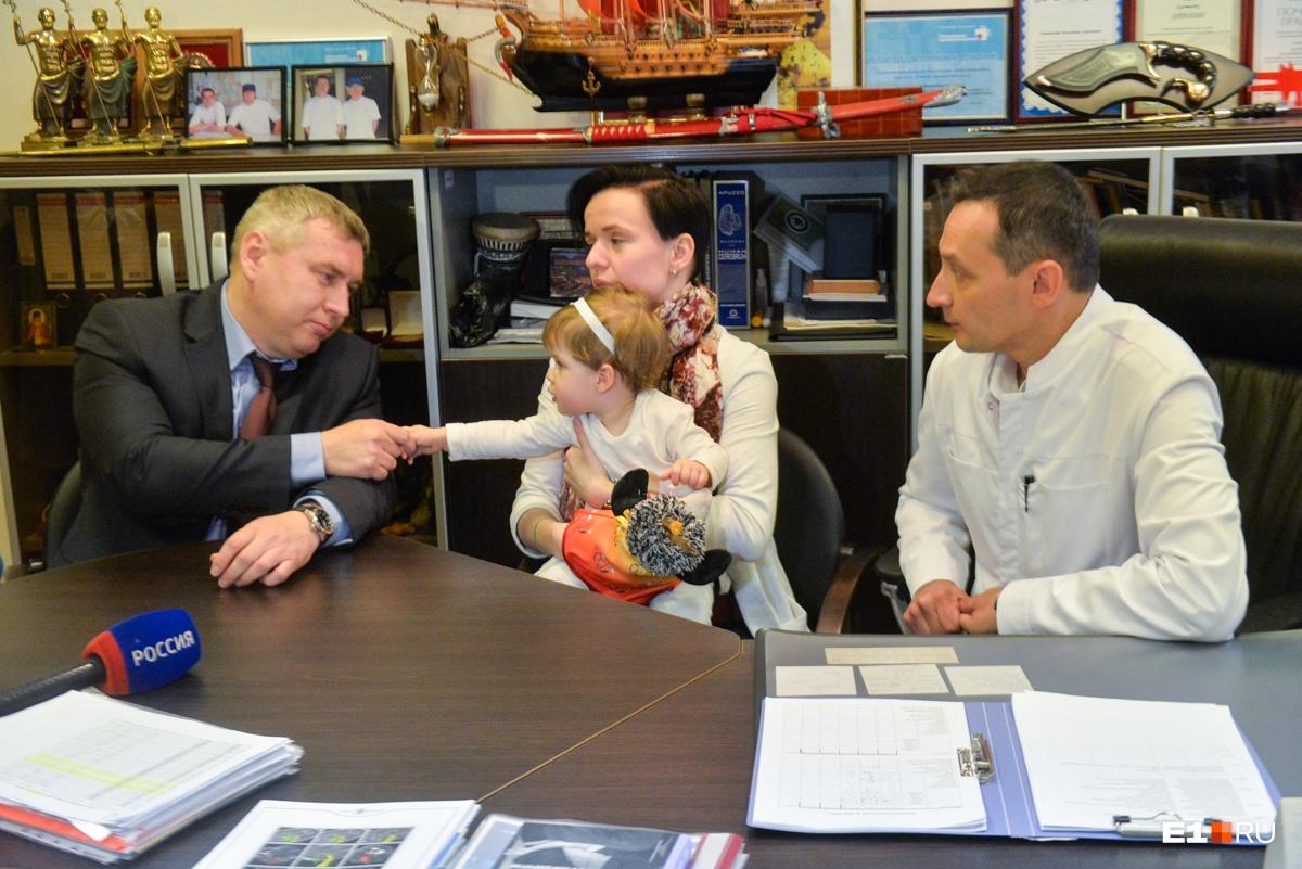 Алексей Сухарев —доктор из ОДКБ №1 —проводил операцию по поводу гидроцефалии