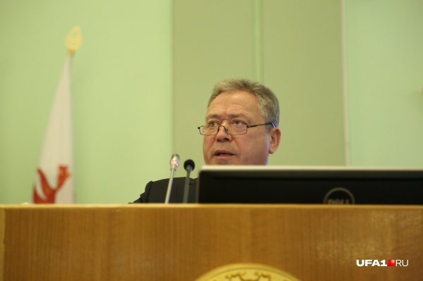 Сити-менеджер предложил еще раз вернуться к обсуждению вопроса о закупке спецтехники
