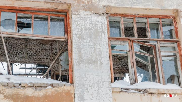 Жильцам аварийных домов в Самарской области пообещали дать новые квартиры к сентябрю 2025 года