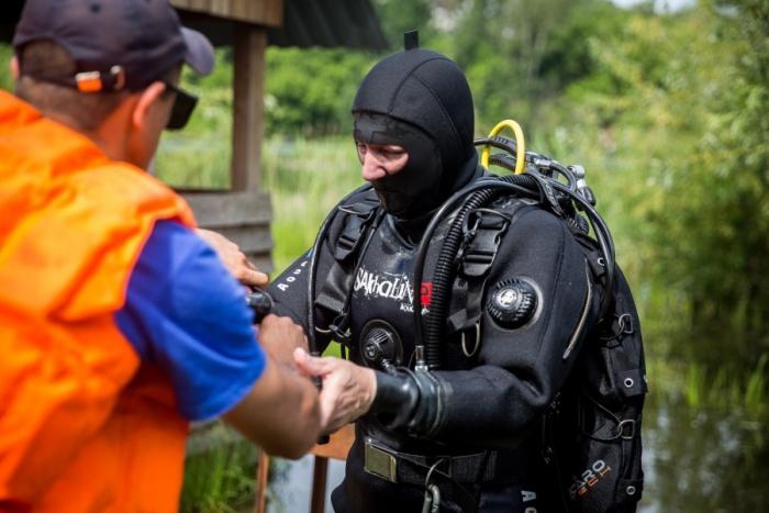 Утонувшего мужчину нашли водолазы