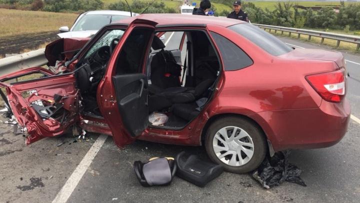 Один погиб, шестеро пострадали: полиция назвала предполагаемого виновника ДТП с Granta и Lada X-ray