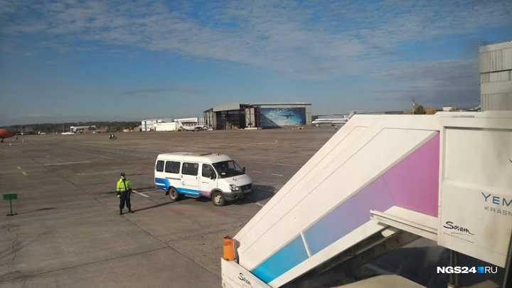 Самолет с красноярскими туристами совершил аварийную посадку по пути в Таиланд
