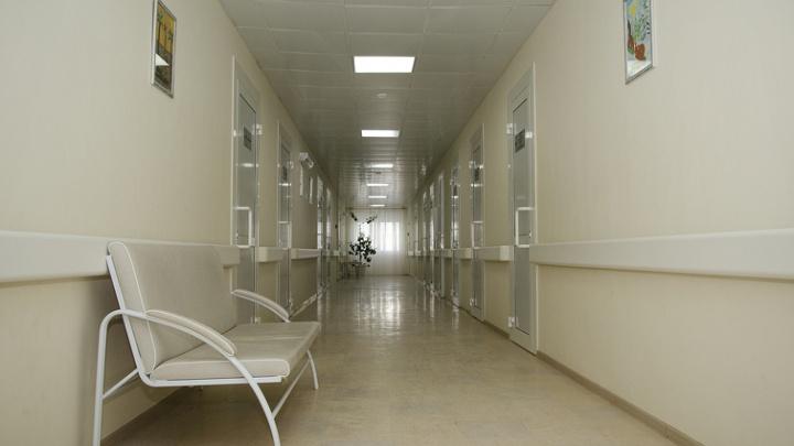 Омич хочет отсудить у медцентра полмиллиона из-за поврежденных во время обследования внутренностей