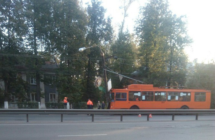 ВНижнем Новгороде случилось ДТП строллейбусом