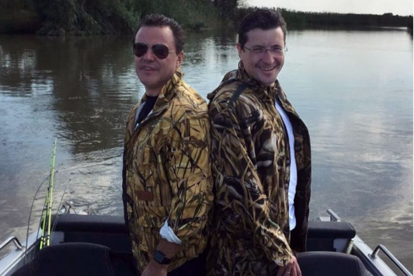 «Как два брата»: так комментировали пользователи соцсетей это фото