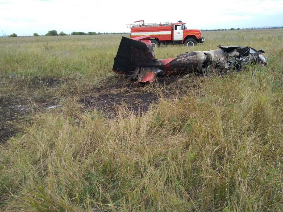 Самолет рухнул из-за пожара