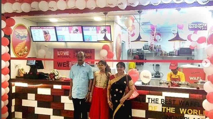 Новосибирская компания открыла кафе с вафлями в Индии и США