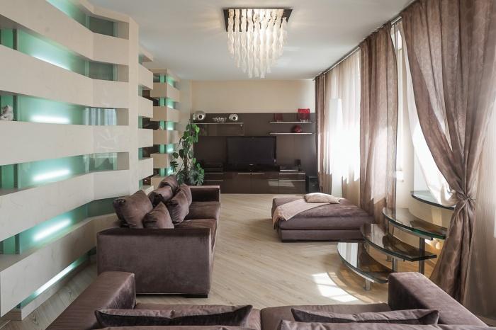 В огромной квартире в ЖК «Солярис»нашлось место для отдельной комнаты отдыха, а лестница только одна —на террасу