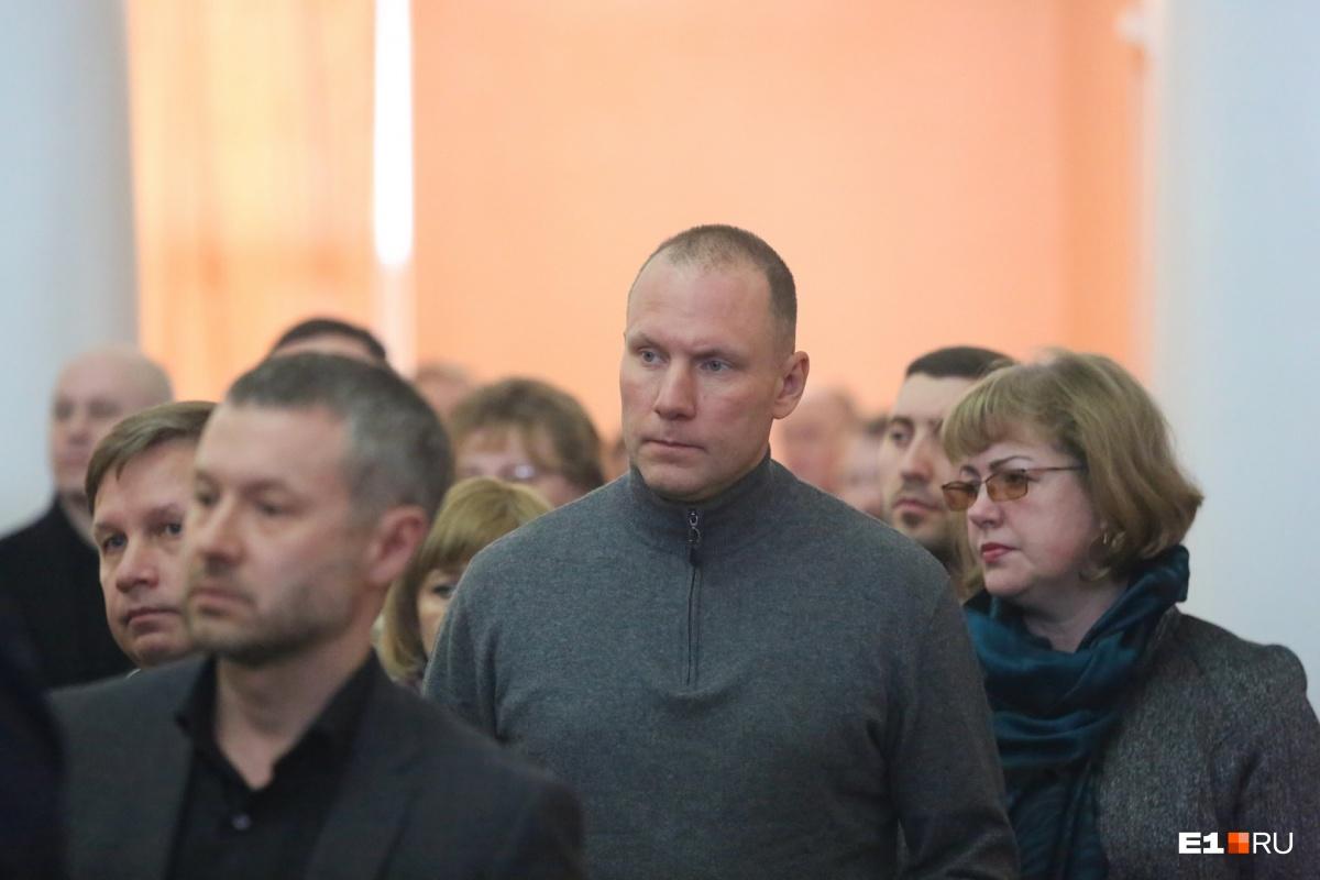 На прощание пришел Артемий Кызласов, глава «Титановой долины». Речь он не говорил, просто постоял в стороне