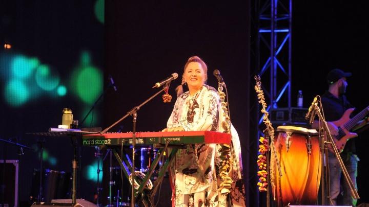 Джаз у «Паниковского»: праздновать День города самарцы начали вместе с Нино Катамадзе
