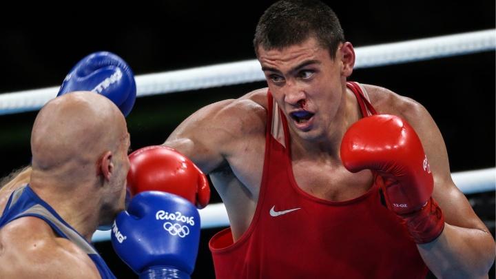 Спят с ринг-гёрлз, ненавидят соперников и худеют на воде: 17 мифов и фактов о боксёрах