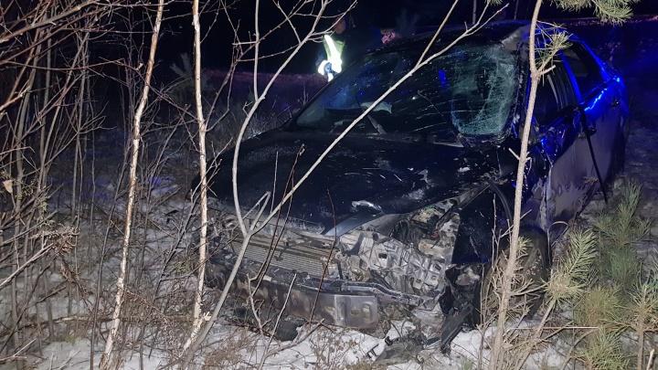 В Богдановиче непристегнутый водитель Ford погиб, вылетев с дороги