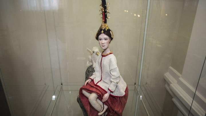 В Новосибирск привезли куклы на шарнирах за 80 тысяч