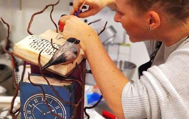 Кондитер из Новосибирска сделала сумасшедше красивый торт для выставки в Копенгагене