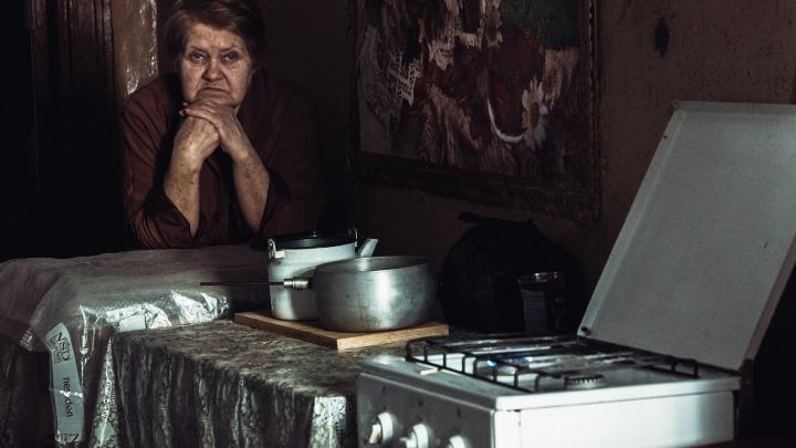 «Стираем в корыте, моемся в тазу»: как живут самарцы в доме-памятнике на Красноармейской