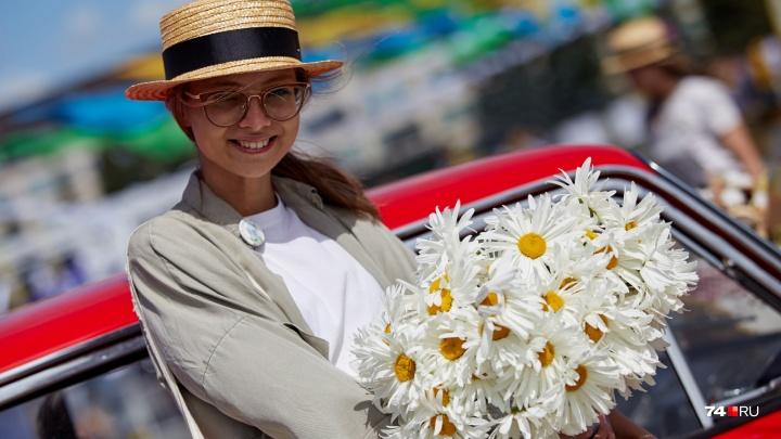 «Всё просто»: в Челябинске под открытым небом собрались те, кто мечтает сделать город лучше