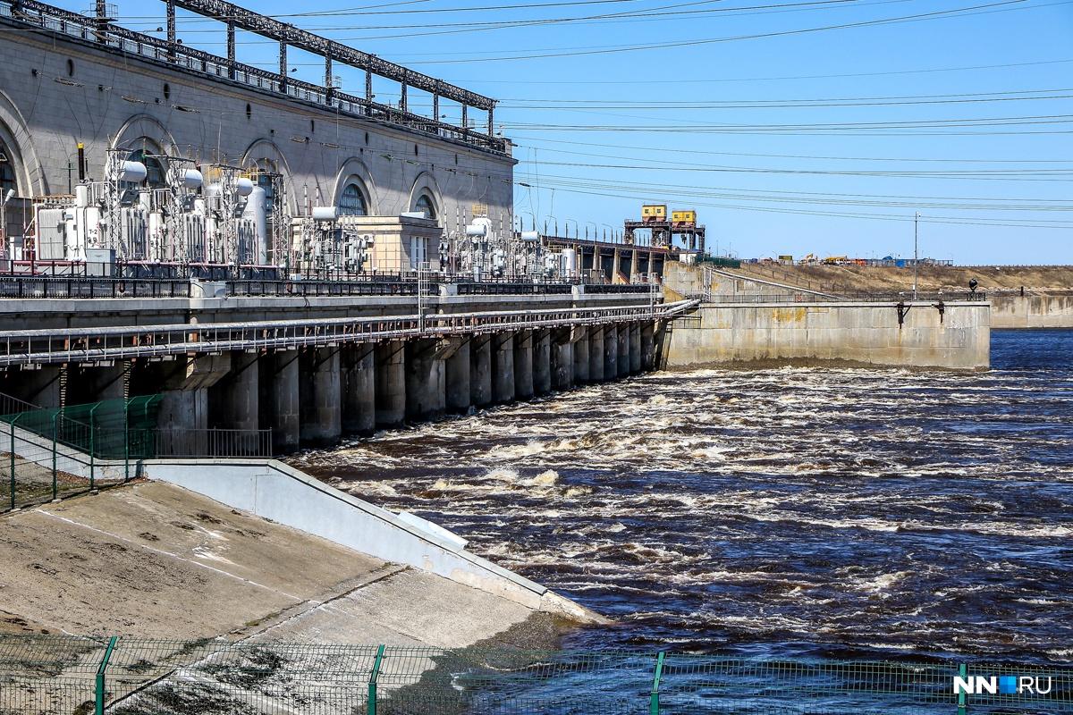Теоретически новый нижегородский гидроузел должен быть построен к 2024 году, но пока что не получается доработать даже его проект