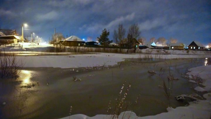 Реки стали разливаться уже зимой