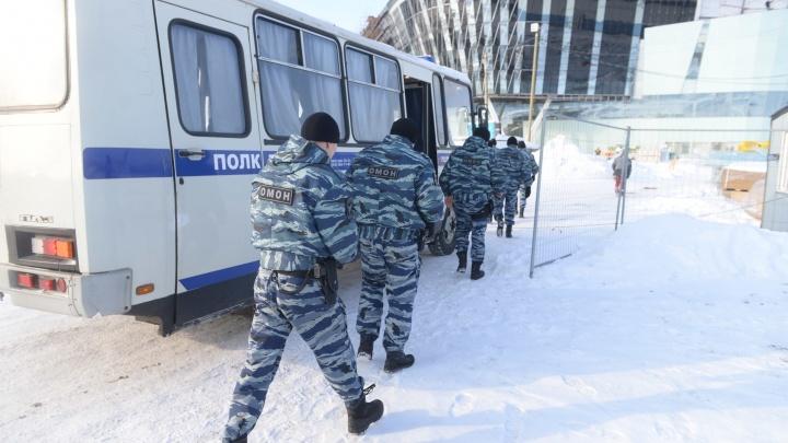 На стройку «Екатеринбург-Экспо», где Путин соберёт 10 президентов, нагрянул ОМОН: онлайн-репортаж